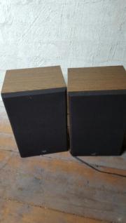 2 Boxen von
