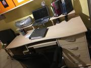 2 Schreibtische+Bürostühle+