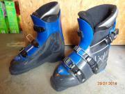 4 Paar Skischuhe