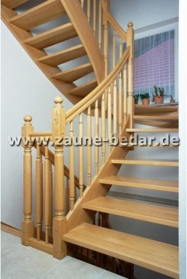 holztreppen aus polen holztreppe innentreppe aus holz. Black Bedroom Furniture Sets. Home Design Ideas