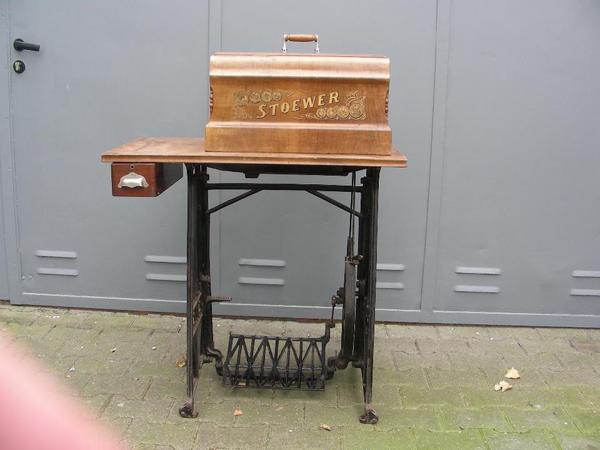 alte n hmaschinen je 50 eur stoewer pfaff singer. Black Bedroom Furniture Sets. Home Design Ideas