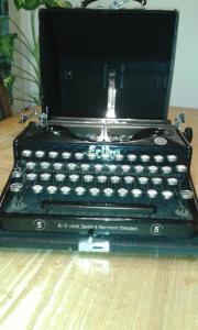 Alte Schreibmaschine Erika