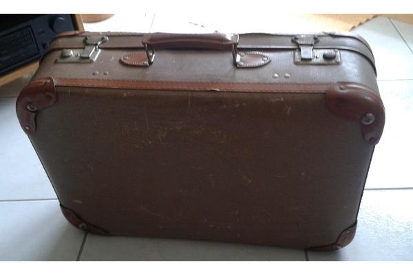 alter koffer in kenn taschen koffer accessoires kaufen und verkaufen ber private kleinanzeigen. Black Bedroom Furniture Sets. Home Design Ideas
