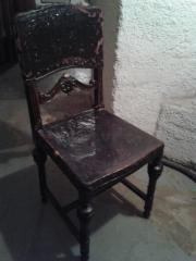 antike Stühle, um