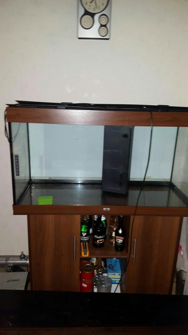aquarium juwel 400 liter mit unterschrank in gro gerau fische aquaristik kaufen und. Black Bedroom Furniture Sets. Home Design Ideas