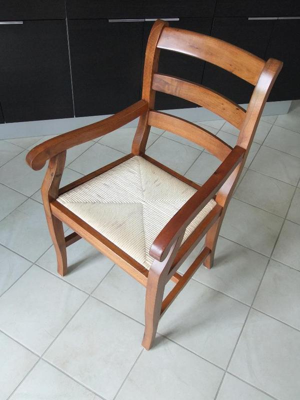 Armlehnstuhl stuhl mit armlehne in neubiberg for Armlehnstuhl speisezimmer