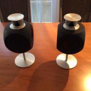 Beolab 3 Lautsprecher mit kleinem Standfuß Ich biete zwei gebrauchte BeoLab 3 Lautsprecher der Edelfirma Bang & Olufsen mit jeweils Netz- und Power Linkkabel und Standfuß an. Gesamthöhe 33 ... 700,- D-52457Aldenhoven Heute, 14:28 Uhr, Aldenhoven - Beolab 3 Lautsprecher mit kleinem Standfuß Ich biete zwei gebrauchte BeoLab 3 Lautsprecher der Edelfirma Bang & Olufsen mit jeweils Netz- und Power Linkkabel und Standfuß an. Gesamthöhe 33