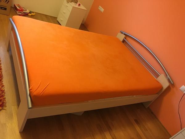 bett 1 40 x 2 00 in g tzis betten kaufen und verkaufen ber private kleinanzeigen. Black Bedroom Furniture Sets. Home Design Ideas