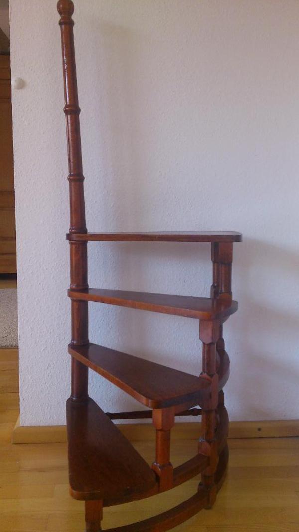 Treppenstufen Holz Gebraucht ~ bibliothekstreppe holz bibliothekstreppe aus dunklem holz mit 4