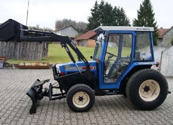 biete kleintraktor 5040 traktoren landwirtschaftliche fahrzeuge aus neu wulmstorf. Black Bedroom Furniture Sets. Home Design Ideas