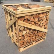 Brennholz / Kaminholz / Holzbriketts /