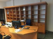 Büromöbel (Regal, Tisch,