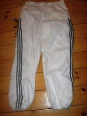 Coole weisse Adidas