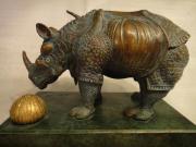Dali, Bronze ,Rhinoceros, Rhinoceros a la dentelle Aus Erbschaft biete ich eine orginale Bronze von Salvador Dali an. Das dargestellte Rhinoceros hat ... 500,- D-91722Arberg Lellenfeld Heute, 12:25 Uhr, Arberg Lellenfeld - Dali, Bronze ,Rhinoceros, Rhinoceros a la dentelle Aus Erbschaft biete ich eine orginale Bronze von Salvador Dali an. Das dargestellte Rhinoceros hat