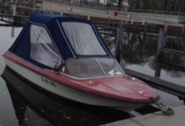 ddr motorboot lotos 50ps wendegetriebe viel zbh in oranienburg motorboote kaufen und. Black Bedroom Furniture Sets. Home Design Ideas