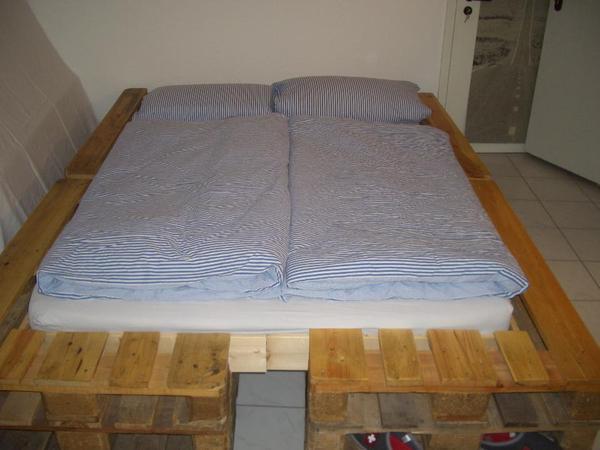 designer paletten bett einzelanfertigung f r. Black Bedroom Furniture Sets. Home Design Ideas