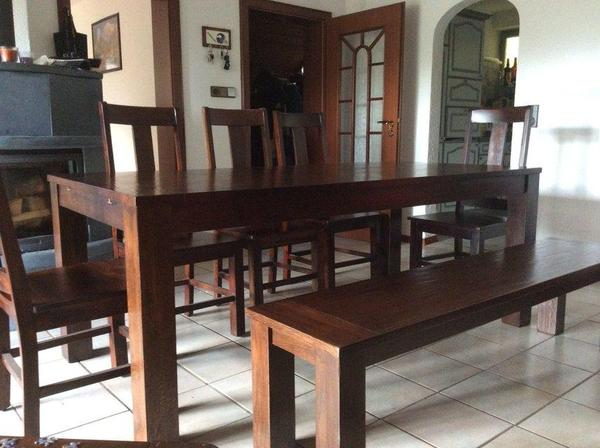 edler echtholz tisch mit bank und st hlen in dunkler eiche in. Black Bedroom Furniture Sets. Home Design Ideas