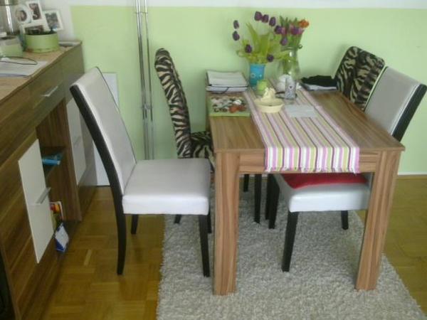esstisch mit 4 st hlen. Black Bedroom Furniture Sets. Home Design Ideas
