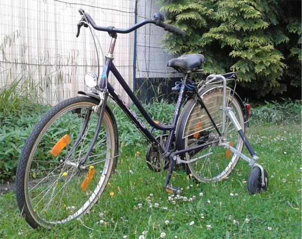 fahrrad mit st tzr dern endlich wieder radfahren k nnen. Black Bedroom Furniture Sets. Home Design Ideas