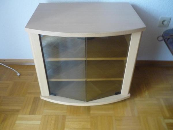 tv schrank mit rollen m bel design idee f r sie. Black Bedroom Furniture Sets. Home Design Ideas
