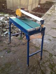 Fliesenschneidemaschine mit Wasser
