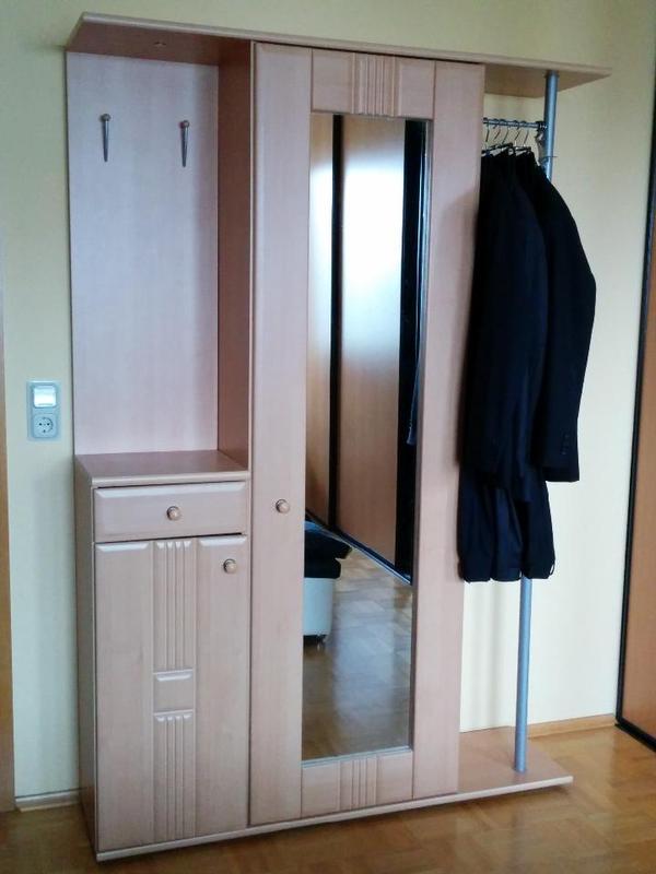 Garderobe schrank mit spiegel for Garderobe mit schrank