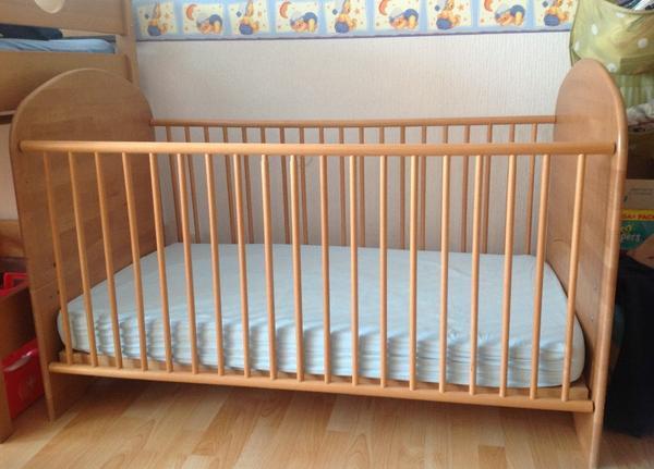 gitterbett juniorbett kinderbett wiegen babybetten. Black Bedroom Furniture Sets. Home Design Ideas