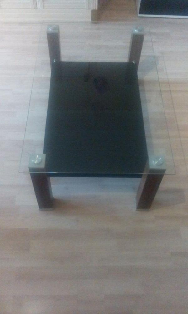 glastisch in hemmingen couchtische kaufen und verkaufen ber private kleinanzeigen. Black Bedroom Furniture Sets. Home Design Ideas