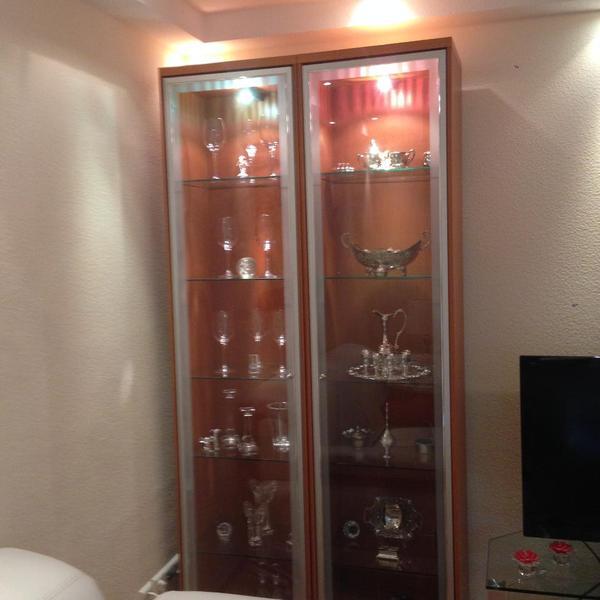 gro e kleine vitrine in frankfurt wohnzimmerschr nke anbauw nde kaufen und verkaufen ber. Black Bedroom Furniture Sets. Home Design Ideas