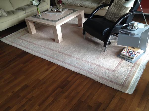 Teppich zu verschenken 07285820170919 for Couchtisch zu verschenken
