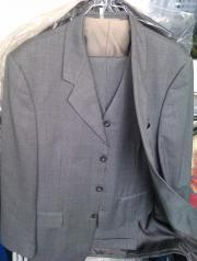 hellgrauer Anzug mit