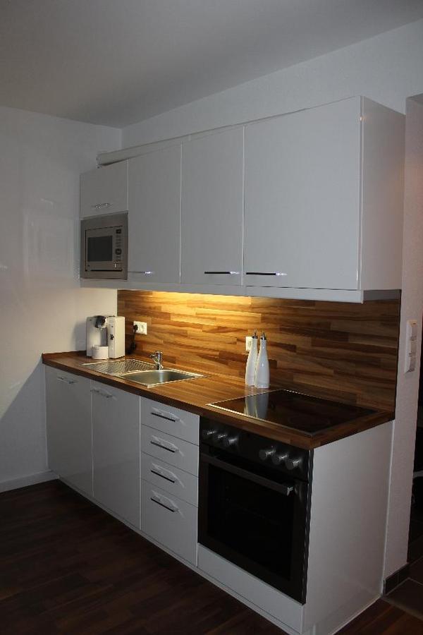 Hochwertige Nobilia Küche in weiß Hochglanz inkl. Geräte in ...
