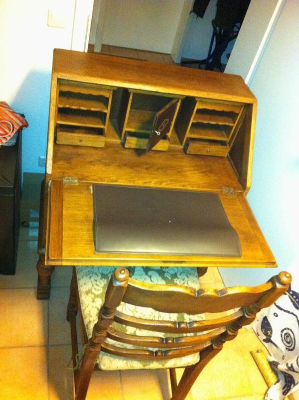 holz sekret r stilm bel mit passendem stuhl in weinheim. Black Bedroom Furniture Sets. Home Design Ideas