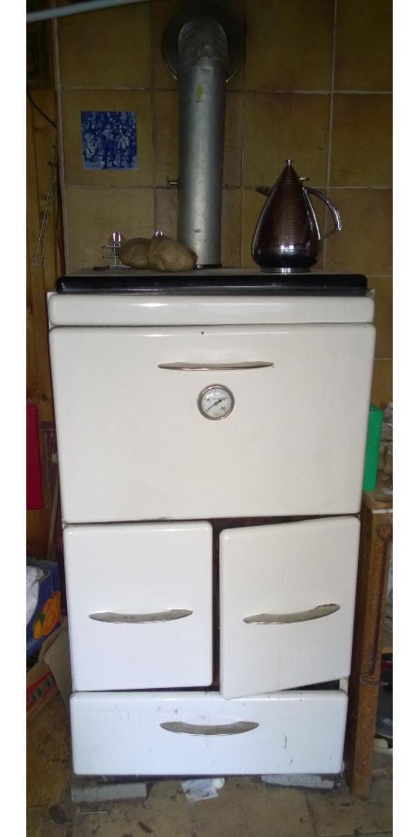 holzofen k chenherd mit r hre in neustadt k chenherde grill mikrowelle kaufen und verkaufen. Black Bedroom Furniture Sets. Home Design Ideas