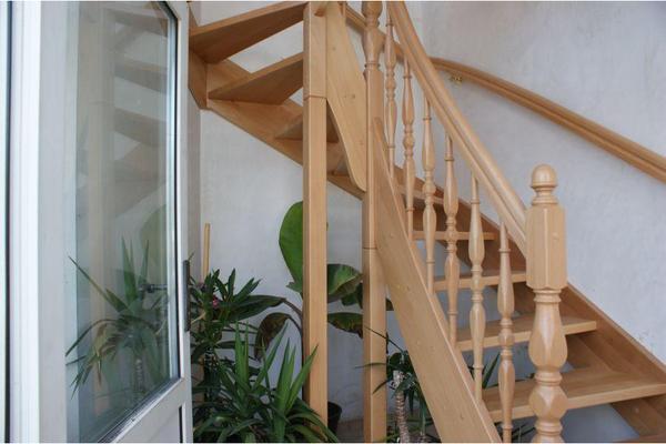 bild 4 holztreppe bekleidung der betontreppe oder gel nder leipzig. Black Bedroom Furniture Sets. Home Design Ideas