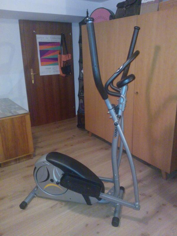 hometrainer crosstrainer in mellau fitness bodybuilding. Black Bedroom Furniture Sets. Home Design Ideas