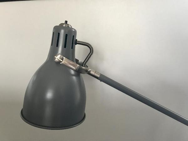 ikea schreibtischlampe kaufen gebraucht und g nstig. Black Bedroom Furniture Sets. Home Design Ideas
