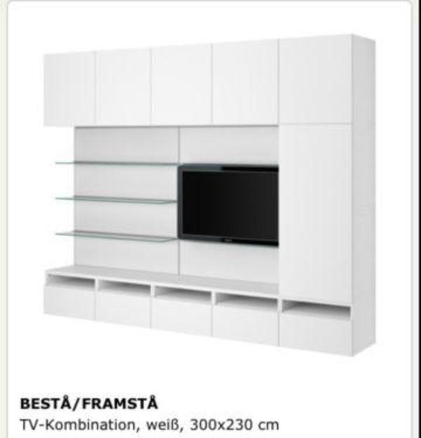ikea besta framsta wohnwand mit glaspanele und beleuchtung. Black Bedroom Furniture Sets. Home Design Ideas