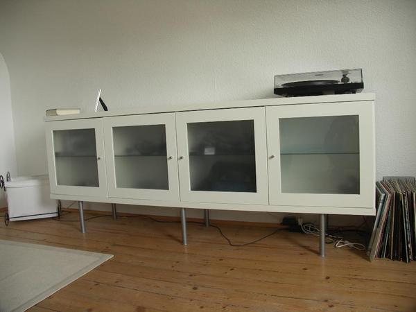 ikea bonde in weiss lowboard sideboard regal mit beleuchtung satinierten glast ren in worms. Black Bedroom Furniture Sets. Home Design Ideas
