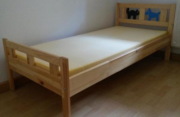 schlafzimmereinrichtung mit boxspringbett. Black Bedroom Furniture Sets. Home Design Ideas