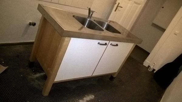 arbeitsplatte schrank kleinanzeigen familie haus. Black Bedroom Furniture Sets. Home Design Ideas