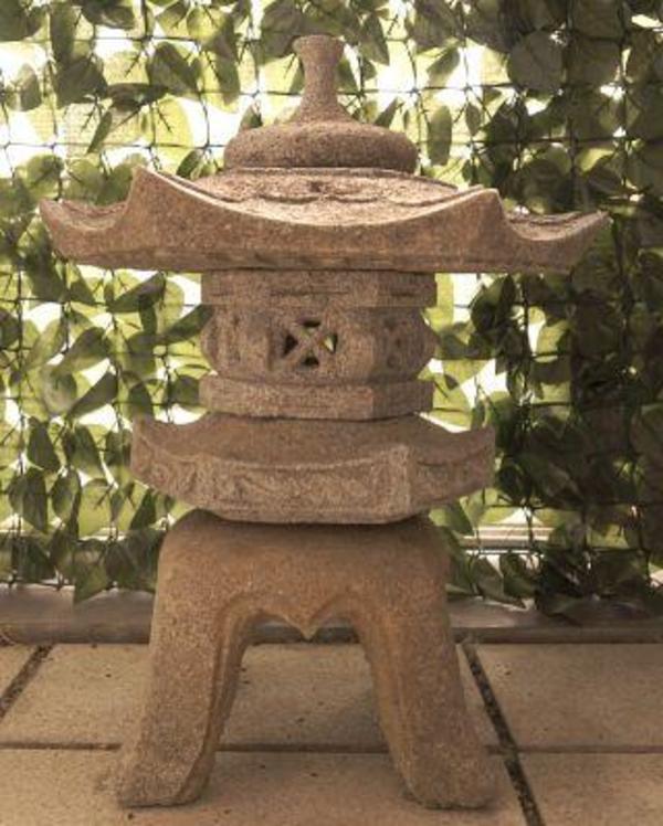 japanische steinlaterne aus granit in hemhofen sonstiges. Black Bedroom Furniture Sets. Home Design Ideas
