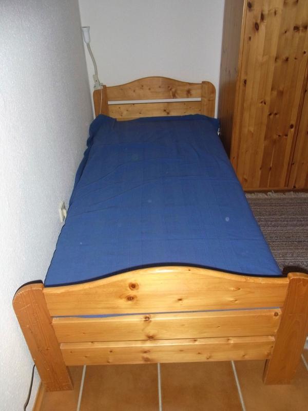 latexmatratze schlafzimmer m bel gebraucht kaufen. Black Bedroom Furniture Sets. Home Design Ideas