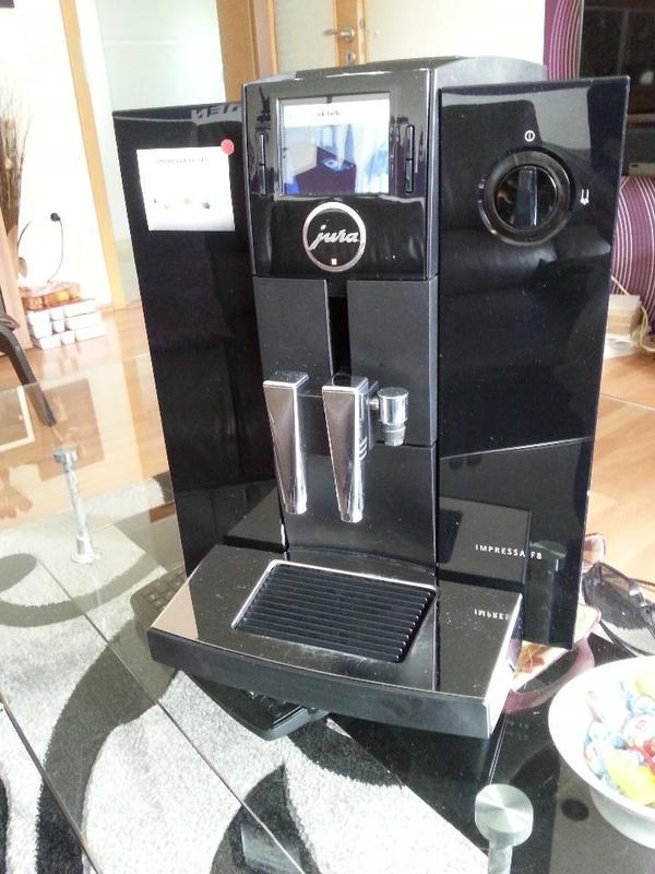 kaffeevollautomat jura f 8 tft in m nchen kaffee espressomaschinen kaufen und verkaufen ber. Black Bedroom Furniture Sets. Home Design Ideas