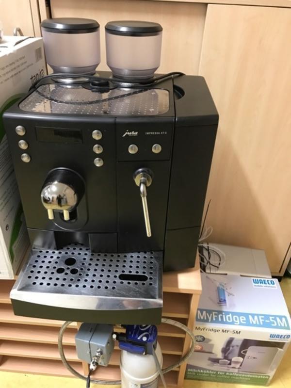 kaffeevollautomat jura gebraucht kaufen nur 2 st bis 75 g nstiger. Black Bedroom Furniture Sets. Home Design Ideas