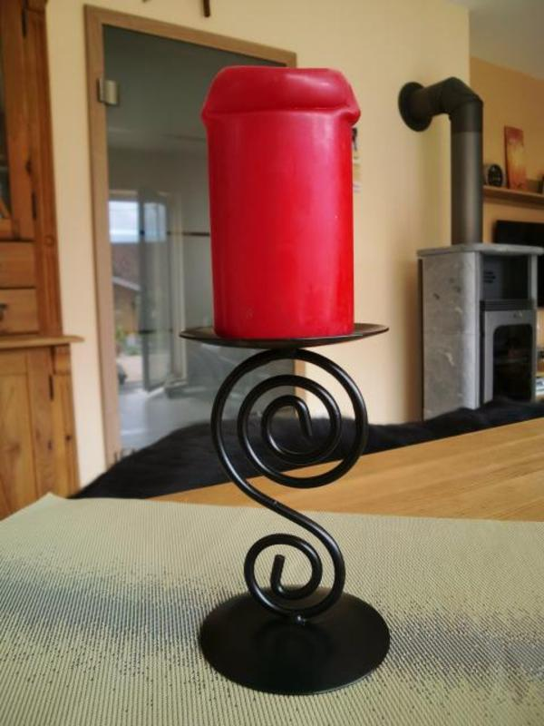 Kerzenst nder metall oder schmiedeeisen schwarz in for Dekoartikel metall