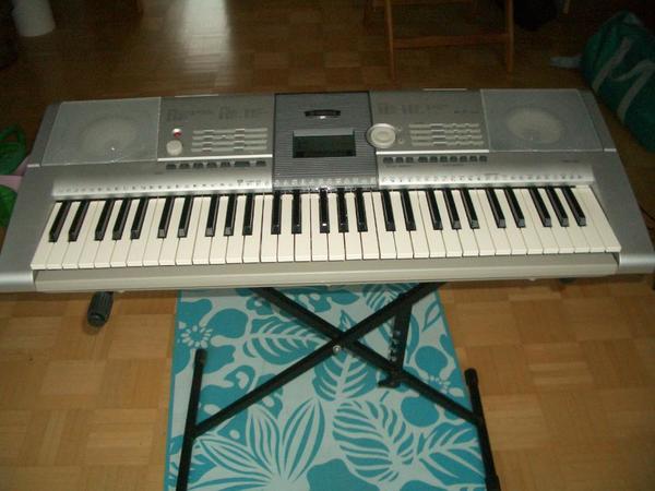 keyboard yamaha psr 295 wenig benutzt in m nchen. Black Bedroom Furniture Sets. Home Design Ideas