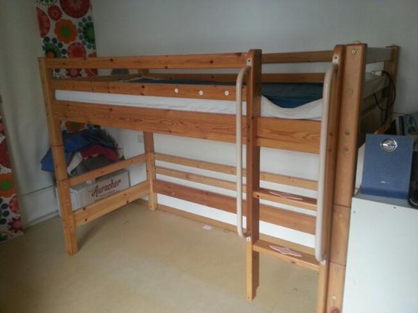 Spielbett günstig gebraucht kaufen - Spielbett verkaufen - dhd24.com