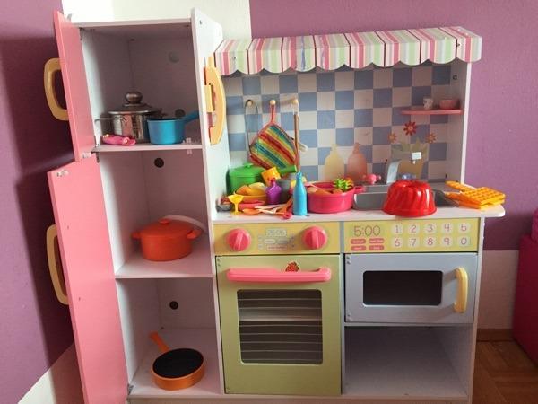 biete eine kinder k che aus holz meine kleine h tte da. Black Bedroom Furniture Sets. Home Design Ideas
