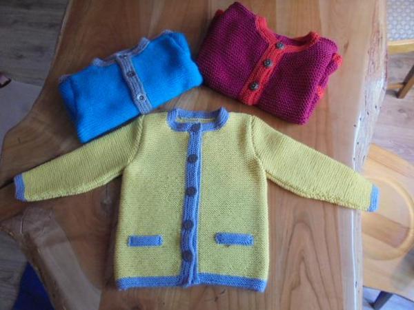 Kindertuxer handgestrickt NEU » Babykleidung/ -schuhe